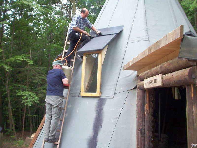 30.07.2011: Renovierung der Köhlerhütte