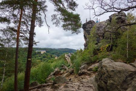 Blick Auf Den Großvater. Im Hintergrund ist das große Schloss Blankenburg zu sehen