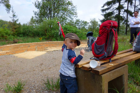 Kleiner Mann mit Opas Hut ;)