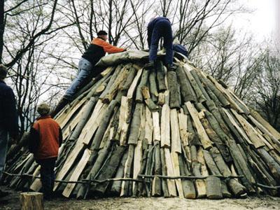 Der Holzkohlemeiler im Jahr 2000