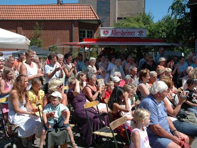 Besucher beim Mühlenfest 2006