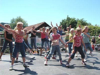 Tanzvorführung der Theaterkinder 2006